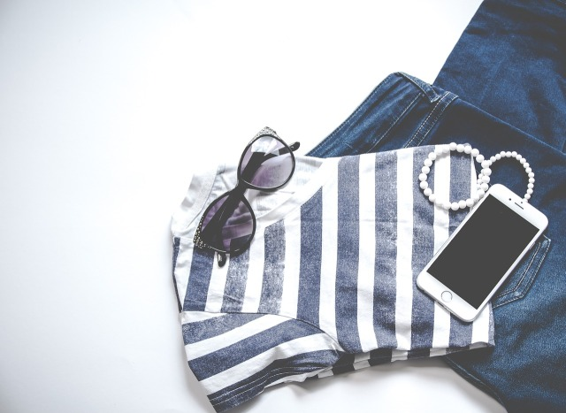 clothing-3221103_1280